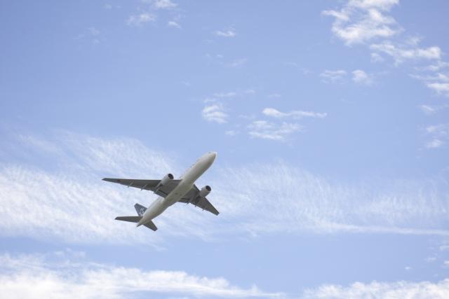 飛行機はなぜ空を飛ぶことができるのでしょうか?パイロットさんは気合や根性などではなく、やることをやっているから無事に空を飛ぶことができます。